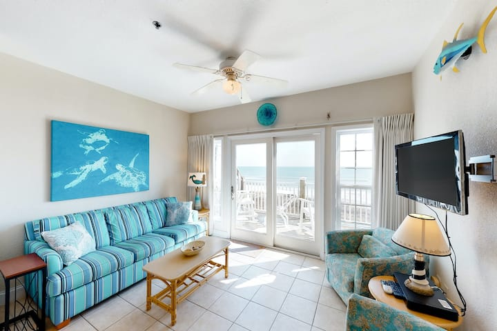 Oceanfront Condo w/ Free WiFi, Ocean Views, Washer/Dryer & Shared Pool