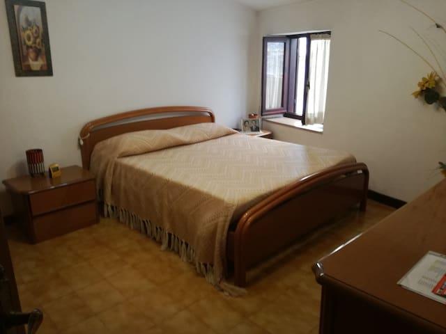 camera letto matrimoniale 2° piano