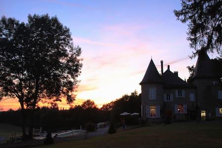 Une nuit de rêve au Château - Neuvic