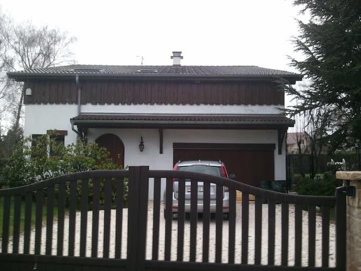 Nice Studio in Villa for Visits to Palexpo/Geneva