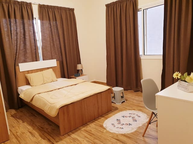 Private Bedroom in Newly-Renovated Flat off Hamra