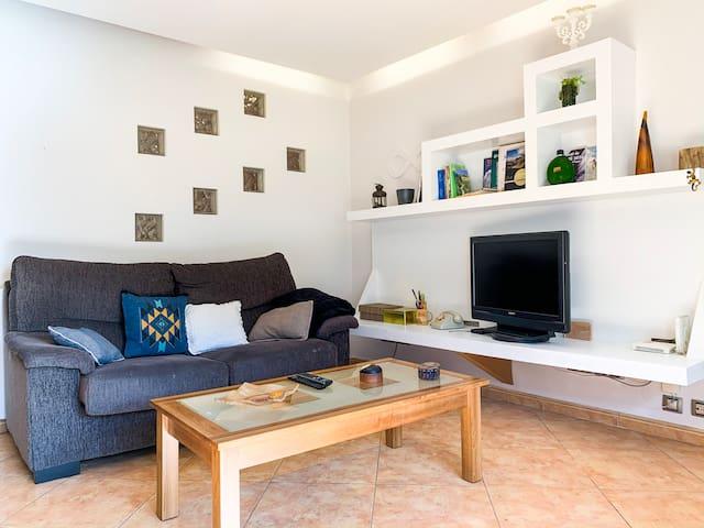 Casa Arbol. Naturaleza, sol y diseño para parejas.