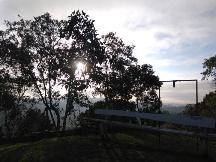 Hogar en la montaña. Entre Santa Elena y Rionegro