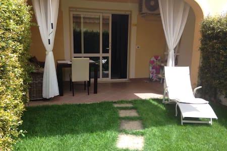 Appartamento con giardino in complesso 5 stelle - Contrada Difesa II - Daire