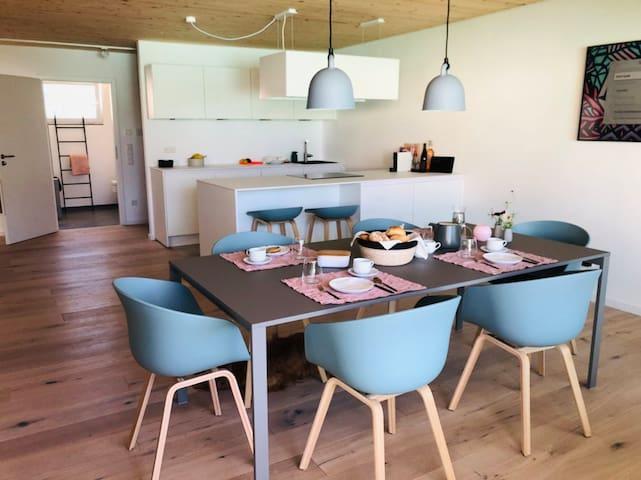 STAY-Bodensee: Moderne & helle Ferienwohnung 99m²