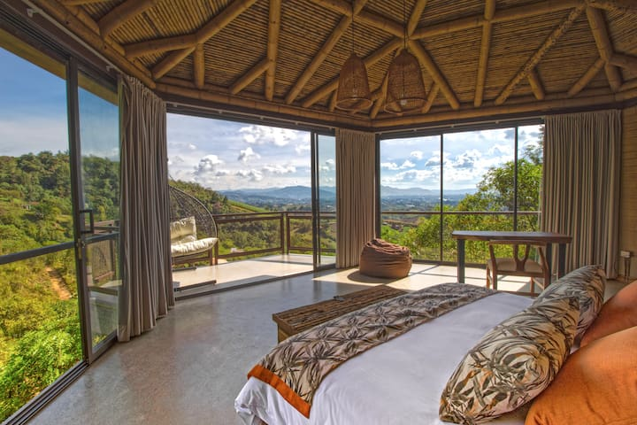 Bungalow in Cannúa Lodge with breakfast included
