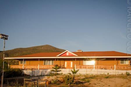 Rancho El Colibrí, ruta del vino Baja California - Villa de Juárez - Bed & Breakfast
