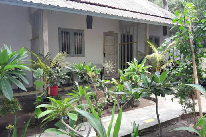 Chika 2 bungalows at Kafe Kecil #Aaliyah