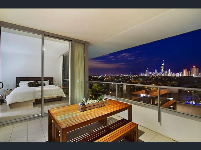 Relax or explore the GC from this luxury unit - Broadbeach Waters - Huoneisto