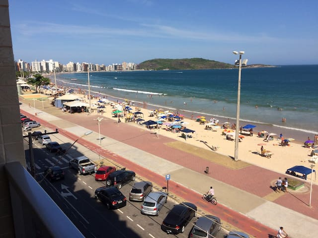 Apto Luxo Guarapari Frente para o mar WIFI Netflix