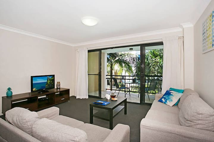 1 Bedroom Spacious Apartment - Sandcastles on the Broadwater - Min 5 Nights