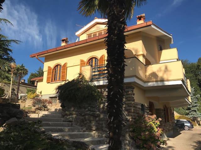 Villa met groot privé zwembad in Sutri bij Rome
