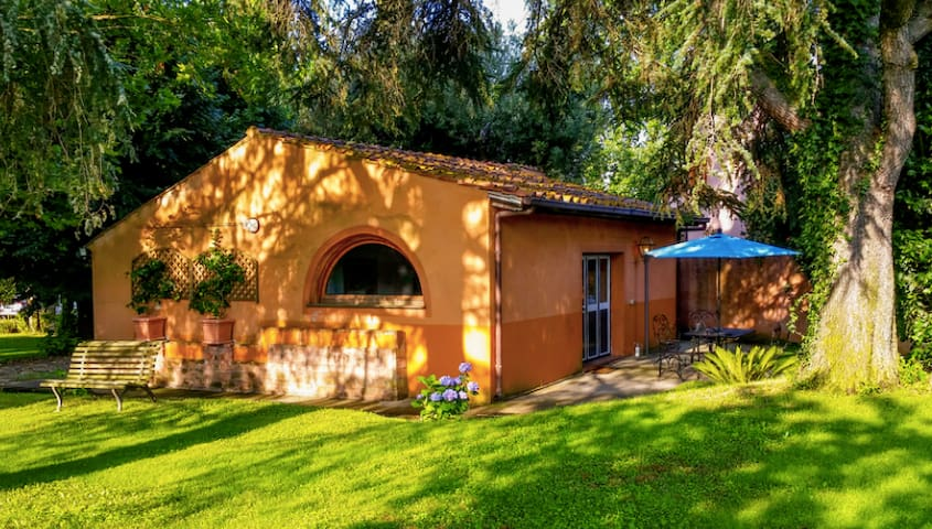 Comfy Cottage 10 km from Rome City Center M - Roma - Hus