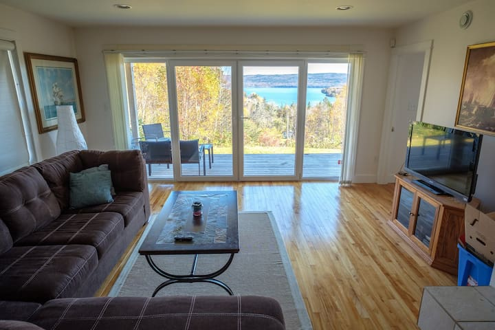 Beautiful View,Modern Cabot Trail Home