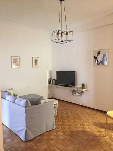 """The """"happy""""central apartment"""