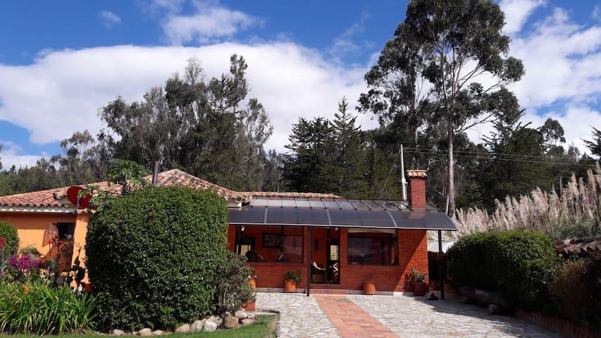 Casa campestre con vista Embalse Tominé