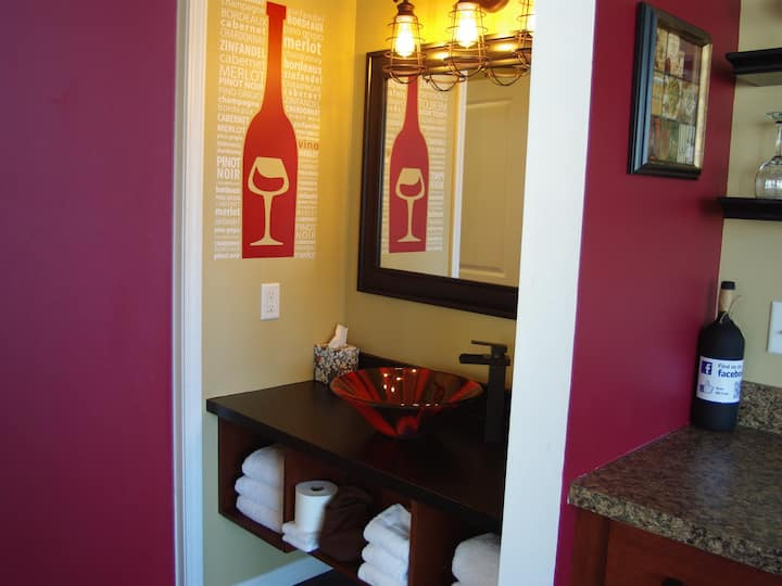 River View Guest House, The Wine Cellar