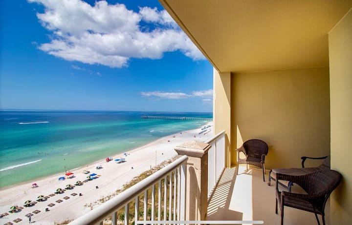 **Luxurious Beach Front Condo w/ Stunning views!**