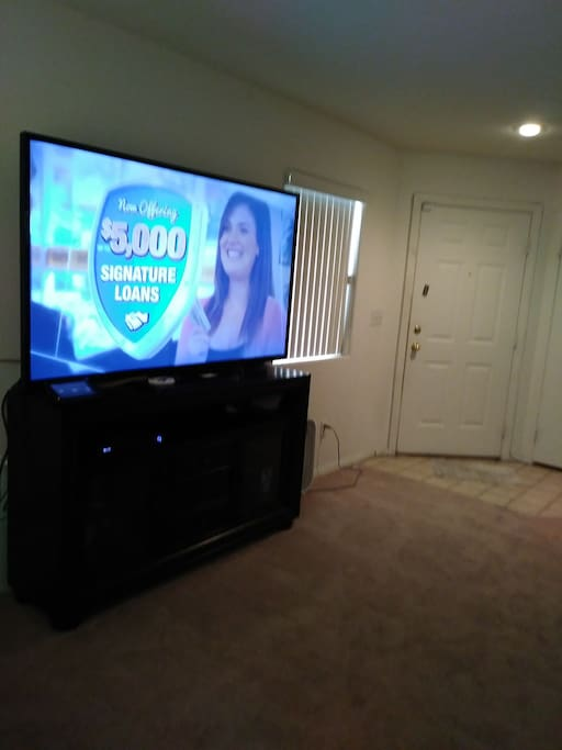 70inch smart Tv all Cable Channels included