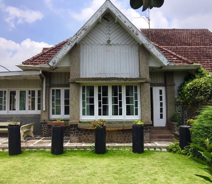 Thon House Near Balai Kota Batu