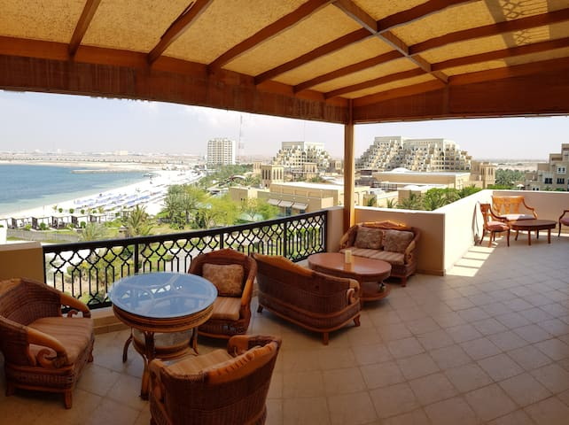 Beautiful Apartment in Fayrouz with Full Sea View