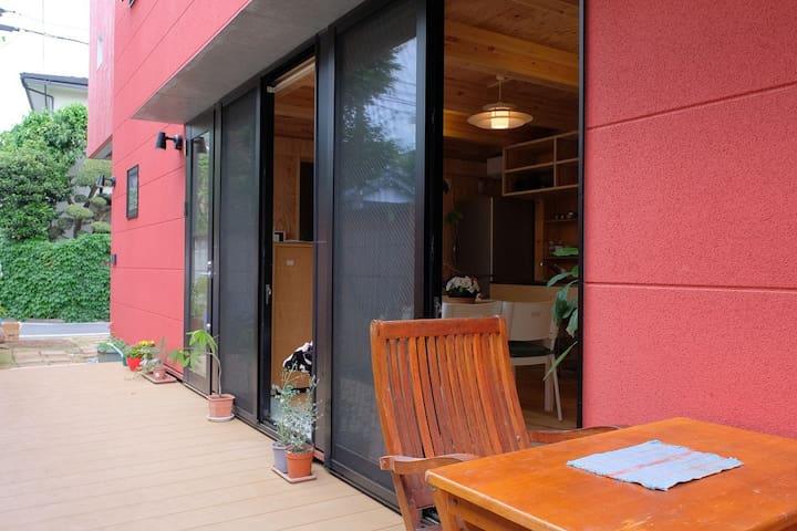 エアロハウス工法の個室2:ローカルに出会える / 自然豊かな西荻窪 / ベジ&ビーガンに優しい街