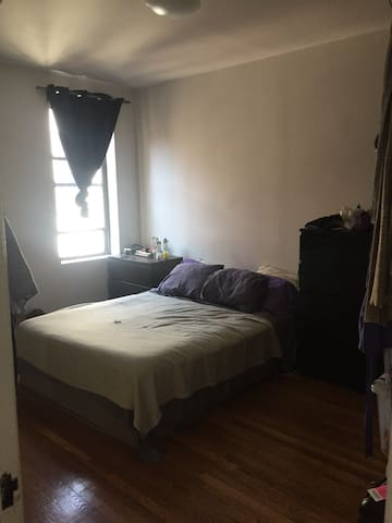 Spacious and sunny one bedroom
