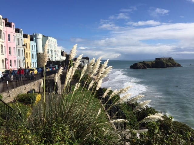 LOVELY VICTORIAN COTTAGE IN TENBY - GARDEN+WI-FI