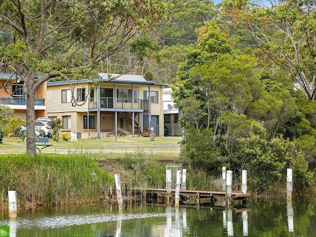 Sussex Inlet River Retreat