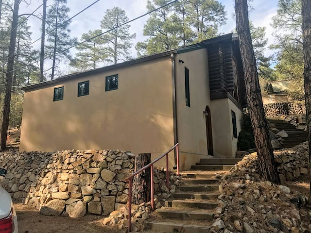 Prescott Cabin near the Mountain Club