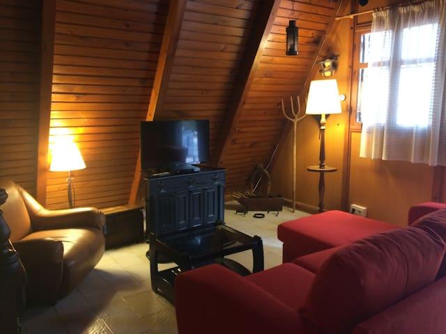 Casa de madera canadiense en plena naturaleza - Murcia - Nature lodge