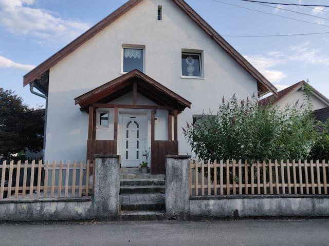Gemütliches Zimmer in privatem Haus