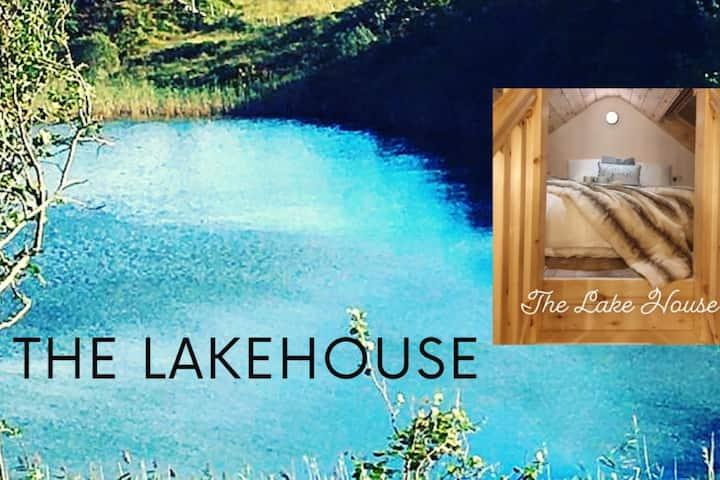 Romantic Lakeside Getaway