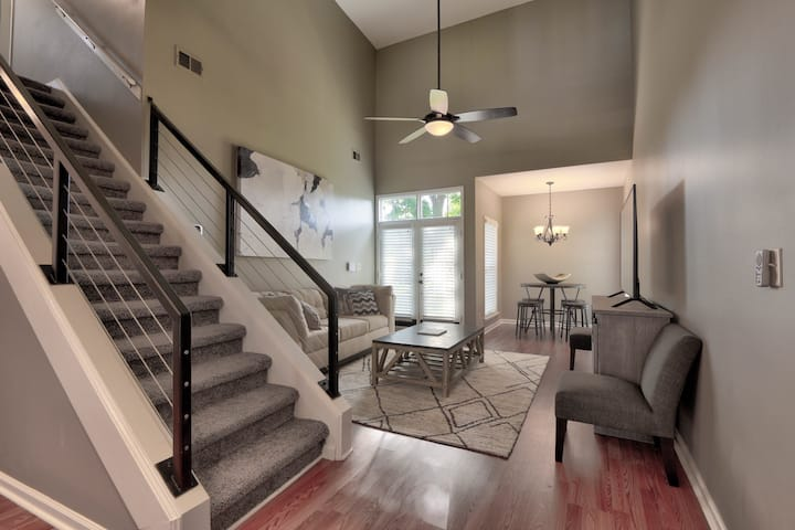 Beautiful Downtown Home - Newly Renovated