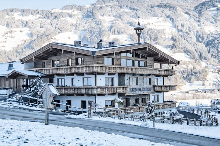 Farmhouse in Schwendau with Ski Storage, Balcony, Heating