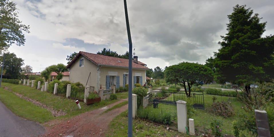 Maison de campagne - Commensacq - Dom