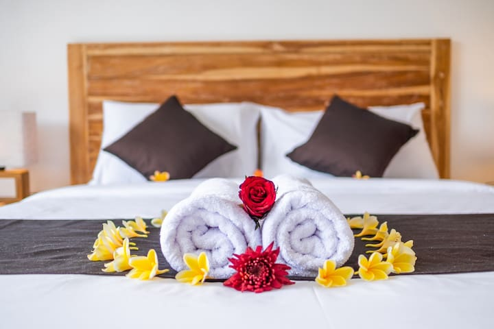 Imagine a romantic with your beloved partner, maybe this accommodation can be your option for all of your holiday expectation