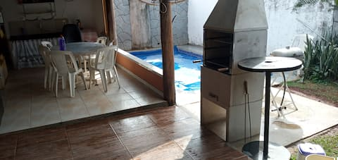 Casa aconchegante piscina aquecida ar condicionado