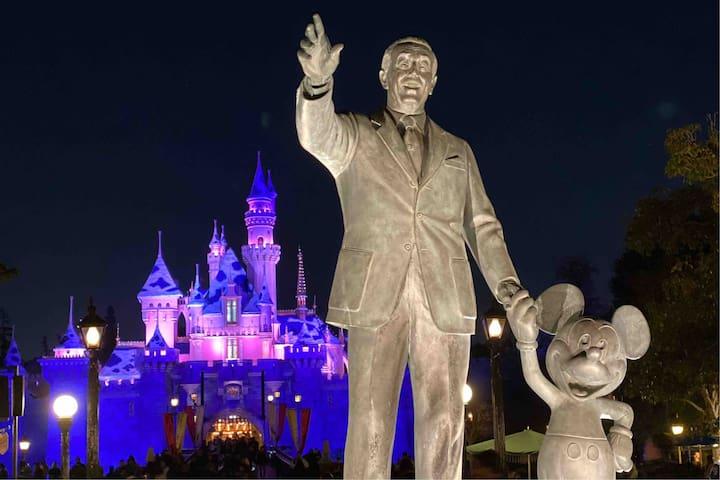 Disneyland - Anaheim Convention Center 2bed/2bath