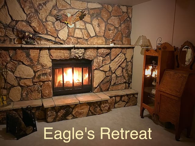 """Eagle's Retreat"" Vacation Cottage - Gladstone - Maison"