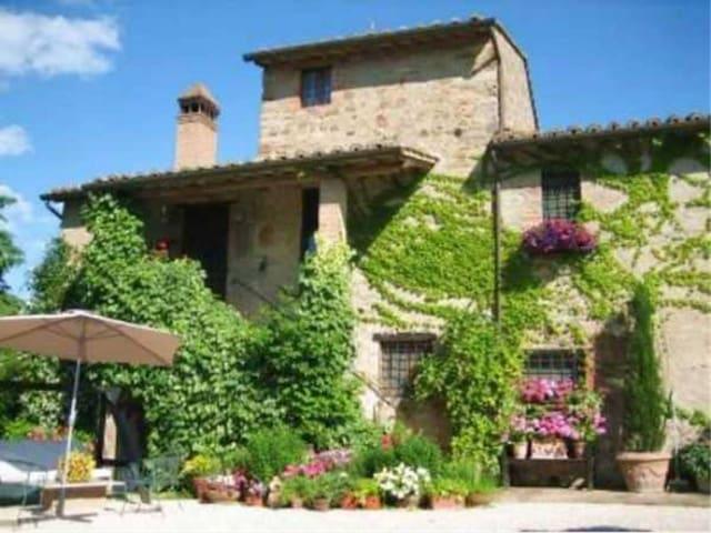 MAGNIFICENT APARTMENT & POOL 6/7 p. near Tuscany - Piegaro - Apartamento