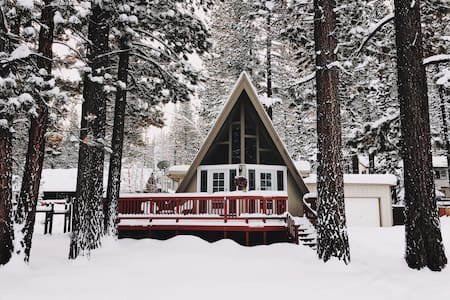 Charming South Lake Tahoe Chalet - South Lake Tahoe - House