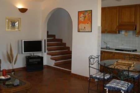 Maremma: Caratteristica Casa a Montiano - Montiano - House