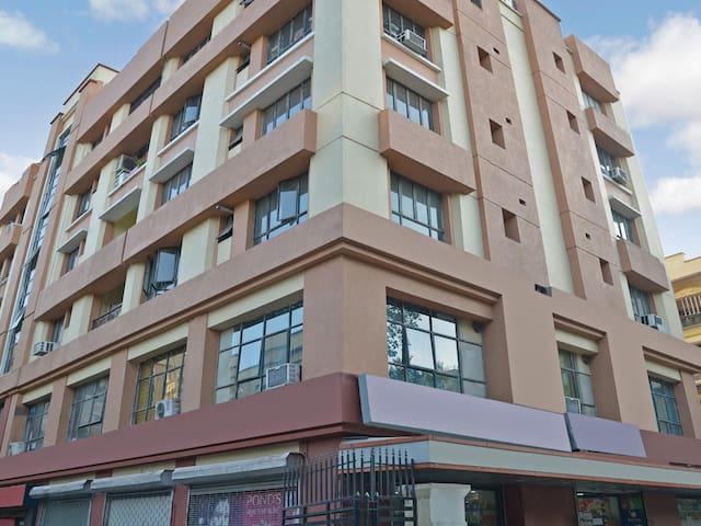 OYO - Classic 1BR Home in Kaikhali, Kolkata-Discounted!