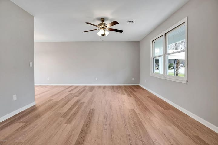 Remodeled single family Patio Home in Midtown