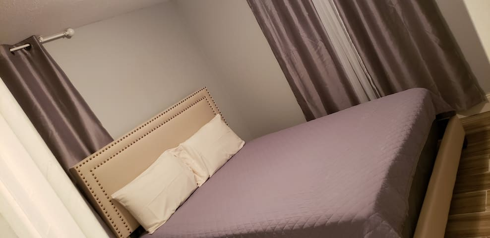 Private room 2 near Ybor city & Hardrock casino