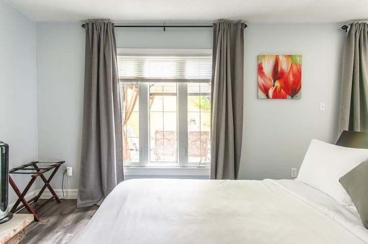 New! Private Suite with Serene Views
