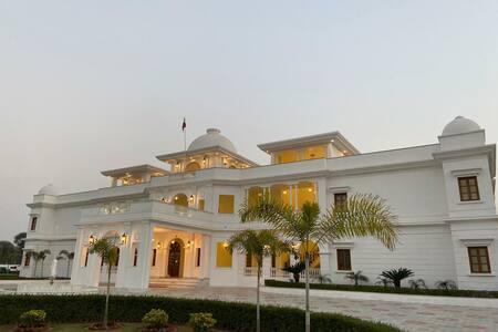 UMAID FARM RESORT-A LEGACY VINTAGE STAY IN JAIPUR
