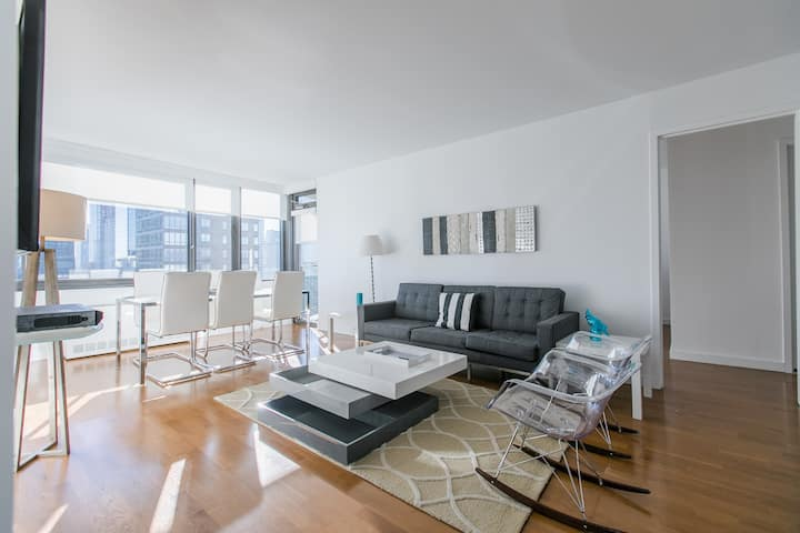 2 bed 2 bath on central Park with A nice pool