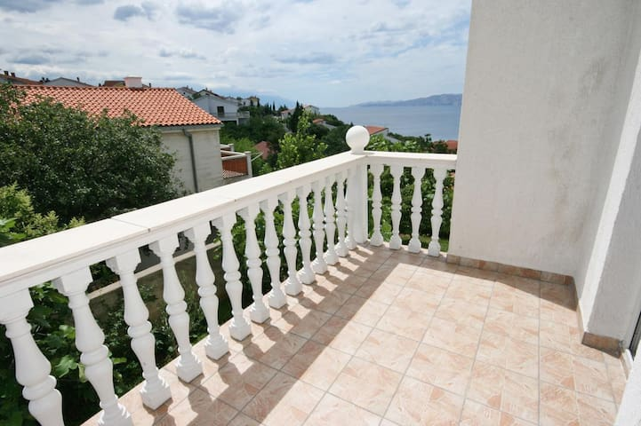 Studio Appartement mit Terrasse und Meerblick Novi Vinodolski (AS-5526-b)